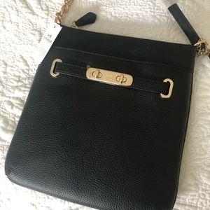 Handbags - Coach Messenger Crossbody In Pebble Leather